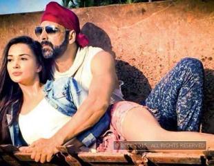 First look of 'Singh is Bliing'