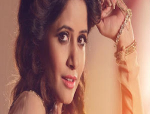 Miss Pooja - Date on Ford (Video)