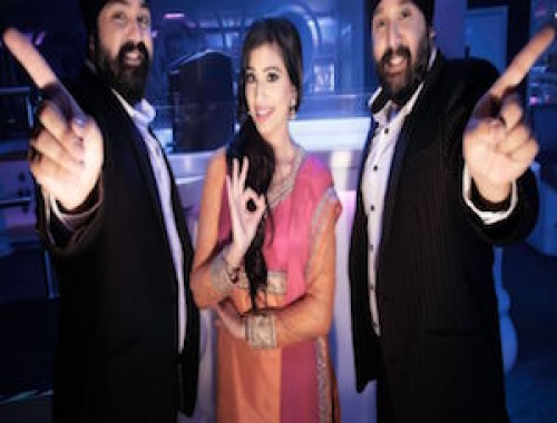 Sona Roadshow ft. Sarika Gill - Sang Mutiyaar Di (Video)